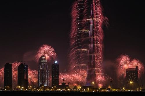 xSDEA311214-nye_fireworks04